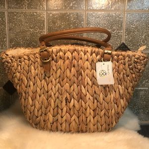 NWT Studio Connections 💛 Large Woven Straw Tote